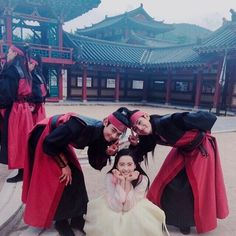 Taehyung, Minho and Go Ara ❤ Hwarang FAM! (ara_go_0211 IG Update) #BTS #방탄소년단