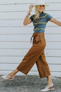 Clothes and hair and stuff Linen Gaucho Pants in Camel Gaucho Pants Outfit, Camel Pants Outfit, Red Dress Outfit, Summer Pants Outfits, Spring Outfits, Cute Outfits, Modest Fashion, Fashion Outfits, Fashion Clothes