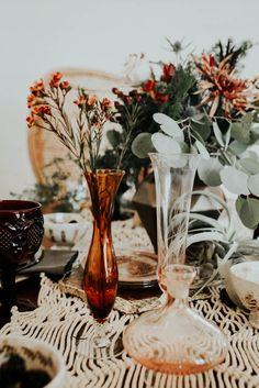 Amber glass vases | Image by Peyton Rainey Photography and Chelsea Denise Photography