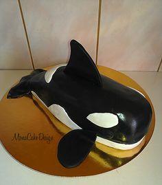 Killer-whale cake