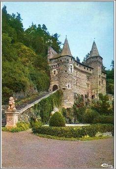 Le chateau de la Rochelambert, Auvergne, France