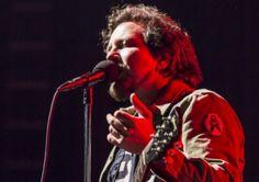 Pearl Jam's Lead Singer Eddie Vedder Blasts Israel on Stage for Killing Palestinians