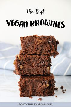 Super fudgy and chocolately vegan brownie recipe This vegan brownie recipe is lower in fat than most fudgy brownies but still just as decadant Share this fudgy vegan dessert with friends and family or keep it all for yourself Healthy Vegan Brownies, Best Vegan Desserts, Vegan Dessert Recipes, Vegan Cake, Brownie Recipes, Vegan Recipes Easy, Vegan Sweets, Vegan Food, Cake Recipes