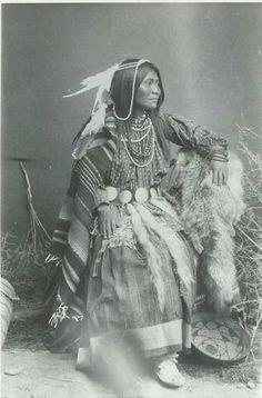 beautiful cherokee indian women
