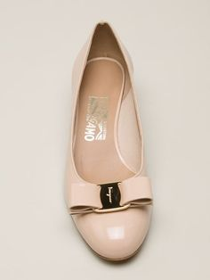 Shop Salvatore Ferragamo 'Vara' pumps in Joseph from the world's best independent boutiques at farfetch.com. Over 1000 designers from 60 boutiques in one website.