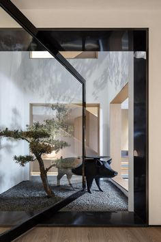 Liang Architecture redesigns a Chinese home around natural light Liang Architecture Studio's latest house design is built around light Home Office, Office Spaces, Interior Architecture, Interior Design, Lobby Interior, Chinese Architecture, Light Architecture, Landscape Architecture, Modern Interior