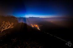 https://flic.kr/p/DdaCLV | Une ombre, un trait de lumière | Ma silhouette sur le village de Hautepierre le Châtelet depuis la roche de Hautepierre Mon site Ma page FB Mon Twitter