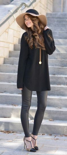 Black on Black street style outfit women fashion clothes Beauty And Fashion, Fashion Mode, Passion For Fashion, New Fashion, Fashion Outfits, Womens Fashion, Fashion Trends, Fashion Black, Fashion Wear