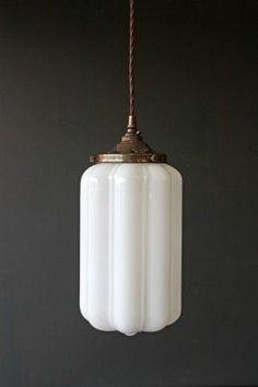 ideas art deco living room interior design chandeliers for 2019 Art Deco Lighting, Vintage Lighting, Home Lighting, Vintage Light Fixtures, Table Lighting, Light Table, Lampe Art Deco, Deco Luminaire, Art Deco Pendant Light