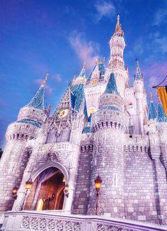 icy walt disney world Disney Dream, Disney Love, Disney Magic, Disney Art, Disney Pixar, Disney World Castle, Walt Disney World, Disney Castles, Disney Aesthetic