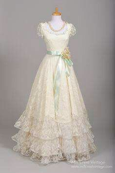 1970 Tiered Lace Formal Vintage Wedding Gown