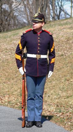 Uniform Packages | United States Marine Corps Historical Company Marine Corps Uniforms, Marine Corps History, Us Marine Corps, Military History, Military Uniforms, Us Marines Uniform, Ww1 History, Navy Uniforms, Army Uniform