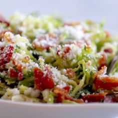 Bacon and brussel sprout salad.Thinly sliced brussel sprouts, crumbled bacon, Parmesan, almonds, and shallot citrus dressing. Diet Recipes, Cooking Recipes, Healthy Recipes, Recipes Dinner, Cooking Videos Tasty, Delish Videos, Bacon Recipes, Thai Recipes, Quick Recipes