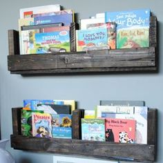 I am a sucker for pallet projects and love easy diy shelves. Today Jenna from SAS Interiors is going to show us how to make a p
