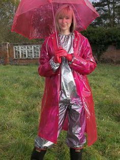 Raincoats For Women Wardrobes Product Green Raincoat, Raincoat Jacket, Hooded Raincoat, Rain Fashion, Women's Fashion, Vinyl Clothing, North Face Rain Jacket, Rain Suit, Boots