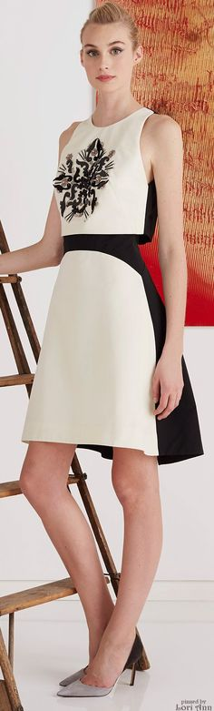 Now this is how you do a crop top - no middle even needed to be seen here. ;) Elegant.  Lela Rose Pre-Fall 2015