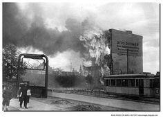 Berlin 1945 Frankfurter Allee am 2. Mai 1945. May 2, 1945. A building burns in Berlin