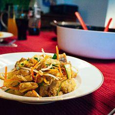 Familienessen leicht warm gesund und lecker... Noch Wünsche offen?  http://ift.tt/2k72ChP #fraubpunkt #pin #familienessen #familyfood #alltagskueche #everyday #salad #salat #pomelo #lowcarb #beiunsdaheim #rezeptebuchcom #mitgemacht