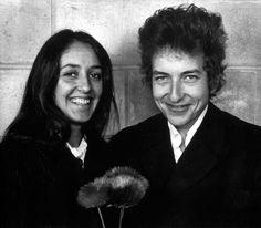 Joan Baez and Bob Dylan, uncredited ジョーン·バエズ&ボブ·ディラン