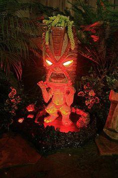 This Tiki fountain guy makes me want to throw a massive Tiki party...