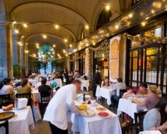 One of the most emblematic restaurants in Barcelona, Restaurant 7 Portes. A classic that has grown with the city and always supporting the world of culture. Barcelona Travel Guide, Barcelona Food, Barcelona Restaurants, Saint John, Paella, Spain And Portugal, Plan Your Trip, Street View, Vacation