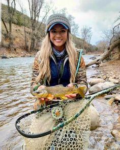 Fly Fishing Net, Fishing Girls, Trout Fishing, Pretty Fish, Mammals, Hunting, Outdoors, Sexy, Outdoor