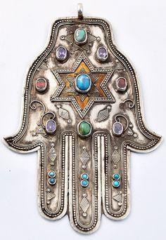 Beautiful Hamsa/Hand of Miriam (via Hamsa | Judaica)