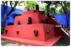 Frida Kahlo's House La Casa Azul ; so beautiful!