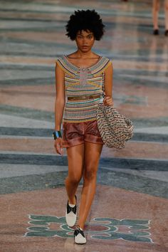Seht alle Fotos der Chanel Modenschau auf Kuba