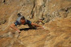Gino Pavoni, un esperto tracciatore Nazionale ci spiega come tracciare le vie di arrampicata per le competizioni e per il pubblico amatoriale.