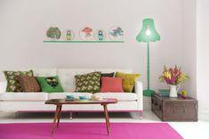Wände streichen – Ideen für das Wohnzimmer - wand farbe streichen idee wohnzimmer muster lampe grün