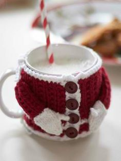 Santa's Mug Cozy: #knit #knitting #free #pattern #freepattern #freeknittingpattern #knittingpattern