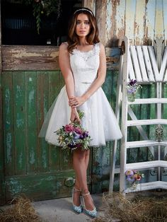Straps Bateau Neckline Knee Length Lace Wedding Dresses