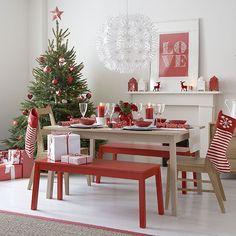 Scandi-inspired Christmas dining room | Christmas decorating ideas | Christmas 2013 | PHOTO GALLERY | Ideal Home | Housetohome.co.uk