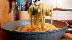 Σκόρδο και λάδι # 432 Italian Pasta, Italian Cooking, Pasta Aglio E Olio, Vegan Fries, Moussaka, Pasta Noodles, Kitchen Recipes, Raw Vegan, Pasta Recipes