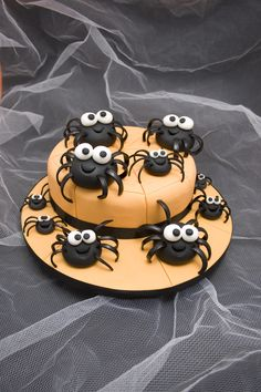 Halloween Spider Cake courtesy of Carol Deacon's Holiday Cakes and Cupcakes