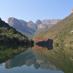 #Repost @photomeme_nikon  Amazing views at Blyde River Canyon #southafrica #canyon #sa #reflection #reflectiongram #illgrammer #river #sky #riverview #nature #insta #instagym #blyderivercanyon #nikon #nikon3200 #photography #photooftheday #picoftheday #moments #nikonphotography #photographyislifee #photographylovers #love_natura