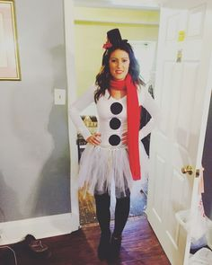 snow-woman Halloween costume - Gifts and Costume Ideas for 2020 , Christmas Celebration Costume Halloween, Diy Elf Costume, Snowman Costume, Christmas Costumes, Diy Halloween, Ugly Xmas Sweater, Christmas Sweaters, Christmas Store, Tacky Christmas
