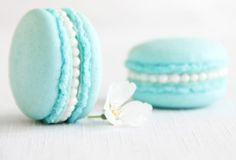 Wedding Macarons Guide: Flavors, Usages and Presentations | bellethemagazine.com