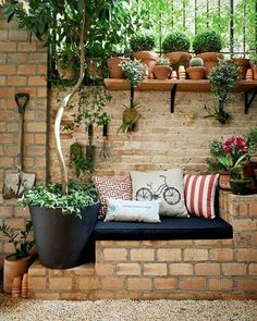 #bahce #garden #happy #happycorner #corner #pillow #cushion #kirlent #minder #ideas #evdekoru #dekorasyon #bahcedekoru #peyzaj #flower #green #sweethome #house #mygarden #cute #beautiful #nature #shelf #sofa #yaraticifikirler