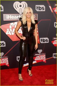 Julia Michaels & Bebe Rexha Hit the iHeartRadio Music Awards 2017 Red Carpet!