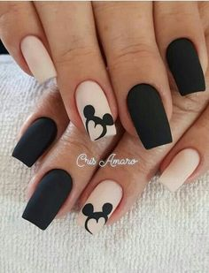 Uñas Disney Mickey Mouse – You are in the right place about nail art matte Here we offer you the most beautiful pictures about the nail art animal you are looking for. When you examine the Uñas Disney Mickey Mouse – part of the picture you can … Stylish Nails, Trendy Nails, Cute Nails, My Nails, Black Nail Designs, Acrylic Nail Designs, Nail Art Designs, Nails Design, Disney Nail Designs