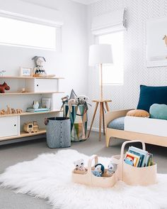 Thomas's toddler bedroom has been one of my favourite rooms to design and style this year. It will be up on the blog soon so you can shop the look and gather some inspo. If you don't want to miss it, you can follow my website and get an email notification when it goes live (like my hubby does haha.) @jemmabenrr were such a delight to work with and both their boys are beyond cuteee Link in bio