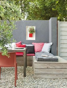 Chill Out In The Seating Region In The Garden! | Decoration Ideas