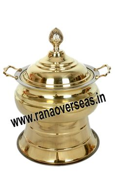 Brass Chafing Dish caterers, banquet halls, parties and functions and other eating outlets. Brass Chafing Dishes are also ideal gift items. An extensive range of our Brass Chafing Dishes includes superior quality Decorative Brass Chafing Dishes that are fabricated from supreme quality metals. Mirror Finish, Corrosion resistant, Easy to clean and Perfect finish. Available Sizes :- 4 Litres, 6 Litres and 8 Litres. Applications :- Hotels , Restaurants,