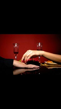 Learn how to flirt and express your affections with some romantic Mandarin Chinese words and phrases as well as dating words and after. Flirting Texts, Flirting Quotes, Chinese Words, Fall For You, Like You, Red Wine, Im Not Perfect, Alcoholic Drinks, Hands