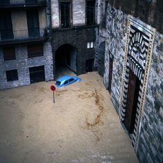 L'alluvione di Firenze del 1966 in 102 foto inedite, tra le prime a  colori di cui si abbia conoscenza. Sono state donate da Joe Blaustein,  pittore, pubblicitario, fotografo e videomaker californiano, alla città e in particolare  all'Archivio storico del Comune di Firenze: Blaustein, oggi no