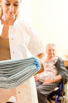 Vergreisung in Deutschland: Mehr Windeln für Senioren, weniger für Babys --- Die Alterung der Gesellschaft lässt sich inzwischen auch an realen Verkaufszahlen ablesen: Windeln sind nicht mehr nur Produkte für Babys, sondern zunehmend für Senioren. Die Hersteller beginnen, ihre Produktion auf die veränderte Nachfrage umzustellen.   ---  http://der-seniorenblog.de/senioren-news-2senioren-nachrichten/  ---  Fotolia-#56548844
