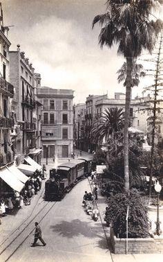 La Panderola en la Plaza de la Paz (Castelló de la Plana) entre los años 40-50