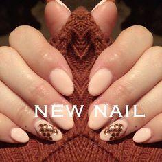 ネイル新しくした♥️ 爪短かったからスカルプしてからジェルしたよ✨ カラーはベージュピンクに左手の薬指だけにスワロをハート型にして載せた♥️ 今回は@harunoutastoreのもの使わせていただきました🙂  塗りやすくて色も綺麗だからまたリピするかな♥️ もし買う時私のクーポン使えば300円OFFなるからよかったら使ってください☺️クーポンコードMOLT300  わたしが買ったのはこれ↓ http://www.harunouta.com/10mluvled-p-23591.html カラー#001  http://www.harunouta.com/10ml-p-23856.html カラー#topcoat #春の歌#harunoutanail#harunoutastore#池袋#渋谷#表参道#千葉#津田沼#船橋#サロンモデル#撮影#AW#ミディアム#ロング#ヘアアレンジ#髪型#巻き髪#おフェロ#抜け感#ハーフ#流行#メイク#作品撮り#ホットペッパー#外国人風#ヘアスタイル#セルフネイル#スカルプネイル#ジェルネイル#ピンクベージュ